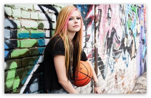 Avril Lavigne 1 Wallpapers: Avril Lavigne 4K HD Desktop Wallpaper For • Wide & Ultra