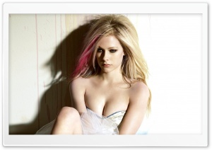 Avril Lavigne Beautiful HD Wide Wallpaper for Widescreen