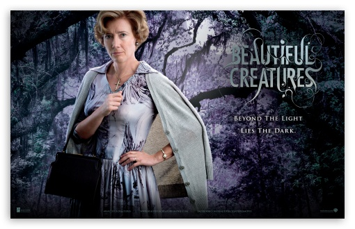 Beautiful Creatures - Mrs Lincoln HD wallpaper for Wide 16:10 Widescreen WHXGA WQXGA WUXGA WXGA ; Standard 4:3 5:4 Fullscreen UXGA XGA SVGA QSXGA SXGA ; Tablet 1:1 ; iPad 1/2/Mini ; Mobile 4:3 3:2 5:4 - UXGA XGA SVGA DVGA HVGA HQVGA devices ( Apple PowerBook G4 iPhone 4 3G 3GS iPod Touch ) QSXGA SXGA ;