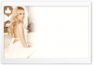 Britney Femme Fatale Ultra HD Wallpaper for 4K UHD Widescreen desktop, tablet & smartphone