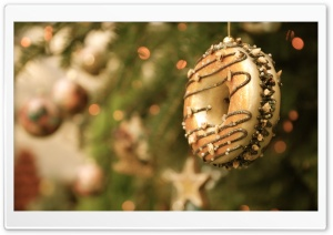 Christmas Donut Ornament HD Wide Wallpaper for 4K UHD Widescreen desktop & smartphone