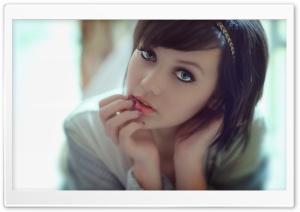 Cute Melissa Clarke