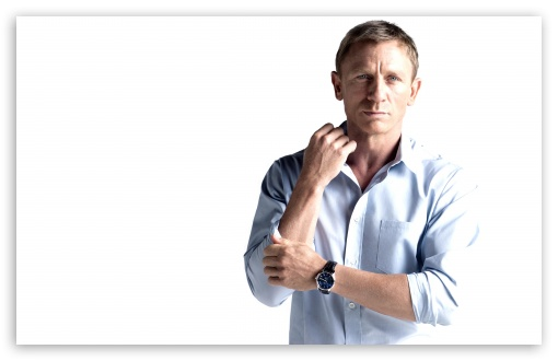 Daniel Craig HD wallpaper for Wide 16:10 5:3 Widescreen WHXGA WQXGA WUXGA WXGA WGA ; HD 16:9 High Definition WQHD QWXGA 1080p 900p 720p QHD nHD ; UHD 16:9 WQHD QWXGA 1080p 900p 720p QHD nHD ; Standard 4:3 5:4 3:2 Fullscreen UXGA XGA SVGA QSXGA SXGA DVGA HVGA HQVGA devices ( Apple PowerBook G4 iPhone 4 3G 3GS iPod Touch ) ; Tablet 1:1 ; iPad 1/2/Mini ; Mobile 4:3 5:3 3:2 16:9 5:4 - UXGA XGA SVGA WGA DVGA HVGA HQVGA devices ( Apple PowerBook G4 iPhone 4 3G 3GS iPod Touch ) WQHD QWXGA 1080p 900p 720p QHD nHD QSXGA SXGA ;