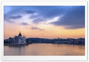 Danube River In Budapest HD Wide Wallpaper for 4K UHD Widescreen desktop & smartphone