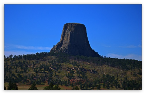 Download Devils Tower from a Distance UltraHD Wallpaper