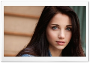 Emily Rudd HD Wide Wallpaper for 4K UHD Widescreen desktop & smartphone