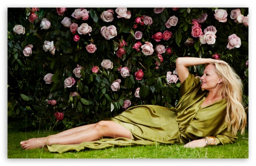 Emma Bunton & Roses HD wallpaper for Wide 16:10 5:3 Widescreen WHXGA WQXGA WUXGA WXGA WGA ; HD 16:9 High Definition WQHD QWXGA 1080p 900p 720p QHD nHD ; Standard 3:2 Fullscreen DVGA HVGA HQVGA devices ( Apple PowerBook G4 iPhone 4 3G 3GS iPod Touch ) ; Mobile 5:3 3:2 16:9 - WGA DVGA HVGA HQVGA devices ( Apple PowerBook G4 iPhone 4 3G 3GS iPod Touch ) WQHD QWXGA 1080p 900p 720p QHD nHD ;