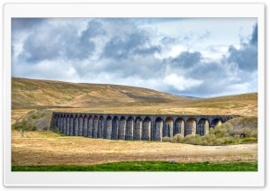 Famous Ribblehead Viaduct Yorkshire HD Wide Wallpaper for 4K UHD Widescreen desktop & smartphone