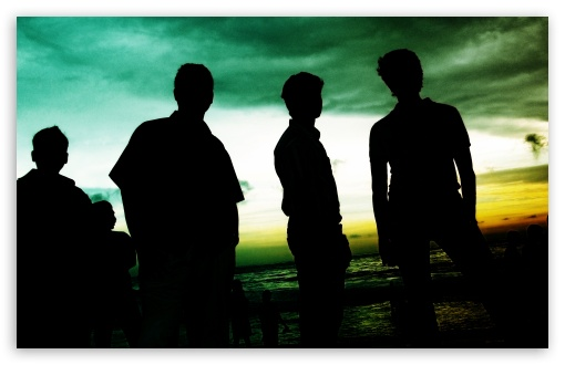 Friends Silhouette At Beach HD wallpaper for Standard 4:3 Fullscreen UXGA XGA SVGA ; Wide 16:10 5:3 Widescreen WHXGA WQXGA WUXGA WXGA WGA ; HD 16:9 High Definition WQHD QWXGA 1080p 900p 720p QHD nHD ; Other 3:2 DVGA HVGA HQVGA devices ( Apple PowerBook G4 iPhone 4 3G 3GS iPod Touch ) ; Mobile VGA WVGA iPhone iPad PSP - VGA QVGA Smartphone ( PocketPC GPS iPod Zune BlackBerry HTC Samsung LG Nokia Eten Asus ) WVGA WQVGA Smartphone ( HTC Samsung Sony Ericsson LG Vertu MIO ) HVGA Smartphone ( Apple iPhone iPod BlackBerry HTC Samsung Nokia ) Sony PSP Zune HD Zen ; Tablet 2 ;