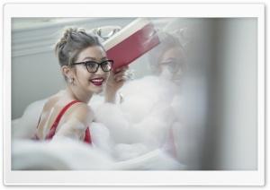 Gigi Hadid Ultra HD Wallpaper for 4K UHD Widescreen desktop, tablet & smartphone