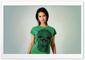 Girl In A Green Shirt HD Wide Wallpaper for Widescreen
