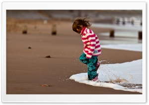 Girl Playing With Waves HD Wide Wallpaper for Widescreen