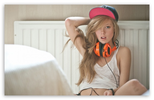 Girl with Headphones ❤ 4K UHD Wallpaper for Wide 16:10 5:3 Widescreen WHXGA WQXGA WUXGA WXGA WGA ; 4K UHD 16:9 Ultra High Definition 2160p 1440p 1080p 900p 720p ; Standard 4:3 5:4 3:2 Fullscreen UXGA XGA SVGA QSXGA SXGA DVGA HVGA HQVGA ( Apple PowerBook G4 iPhone 4 3G 3GS iPod Touch ) ; Tablet 1:1 ; iPad 1/2/Mini ; Mobile 4:3 5:3 3:2 16:9 5:4 - UXGA XGA SVGA WGA DVGA HVGA HQVGA ( Apple PowerBook G4 iPhone 4 3G 3GS iPod Touch ) 2160p 1440p 1080p 900p 720p QSXGA SXGA ;