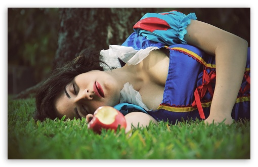 Girls Snow White HD wallpaper for Wide 16:10 5:3 Widescreen WHXGA WQXGA WUXGA WXGA WGA ; HD 16:9 High Definition WQHD QWXGA 1080p 900p 720p QHD nHD ; Standard 4:3 3:2 Fullscreen UXGA XGA SVGA DVGA HVGA HQVGA devices ( Apple PowerBook G4 iPhone 4 3G 3GS iPod Touch ) ; iPad 1/2/Mini ; Mobile 4:3 5:3 3:2 16:9 - UXGA XGA SVGA WGA DVGA HVGA HQVGA devices ( Apple PowerBook G4 iPhone 4 3G 3GS iPod Touch ) WQHD QWXGA 1080p 900p 720p QHD nHD ;