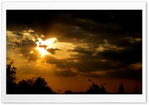 Golden Crepuscular Rays Ultra HD Wallpaper for 4K UHD Widescreen desktop, tablet & smartphone