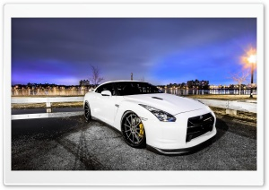 GTR in Town HD Wide Wallpaper for Widescreen