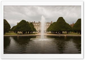 Hampton Court Palace, England HD Wide Wallpaper for 4K UHD Widescreen desktop & smartphone