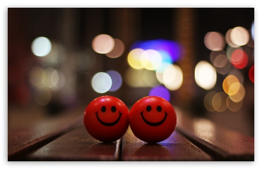 Happy Smiley 4K HD Desktop Wallpaper for 4K Ultra HD TV • Dual Monitor Desktops • Tablet