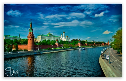 Kremlin Moscow HD wallpaper for Wide 16:10 5:3 Widescreen WHXGA WQXGA WUXGA WXGA WGA ; HD 16:9 High Definition WQHD QWXGA 1080p 900p 720p QHD nHD ; UHD 16:9 WQHD QWXGA 1080p 900p 720p QHD nHD ; Standard 4:3 3:2 Fullscreen UXGA XGA SVGA DVGA HVGA HQVGA devices ( Apple PowerBook G4 iPhone 4 3G 3GS iPod Touch ) ; iPad 1/2/Mini ; Mobile 4:3 5:3 3:2 16:9 - UXGA XGA SVGA WGA DVGA HVGA HQVGA devices ( Apple PowerBook G4 iPhone 4 3G 3GS iPod Touch ) WQHD QWXGA 1080p 900p 720p QHD nHD ;