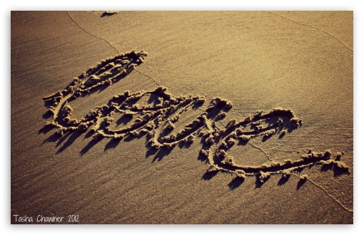 Download Love Sand UltraHD Wallpaper