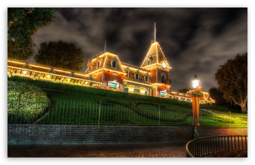 Main Street Train Station at Halloween HD wallpaper for Wide 16:10 5:3 Widescreen WHXGA WQXGA WUXGA WXGA WGA ; HD 16:9 High Definition WQHD QWXGA 1080p 900p 720p QHD nHD ; UHD 16:9 WQHD QWXGA 1080p 900p 720p QHD nHD ; Standard 4:3 5:4 3:2 Fullscreen UXGA XGA SVGA QSXGA SXGA DVGA HVGA HQVGA devices ( Apple PowerBook G4 iPhone 4 3G 3GS iPod Touch ) ; iPad 1/2/Mini ; Mobile 4:3 5:3 3:2 16:9 5:4 - UXGA XGA SVGA WGA DVGA HVGA HQVGA devices ( Apple PowerBook G4 iPhone 4 3G 3GS iPod Touch ) WQHD QWXGA 1080p 900p 720p QHD nHD QSXGA SXGA ;