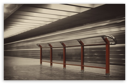 Download Metro Station UltraHD Wallpaper
