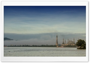 Misty Morning at Islamic Centre of Samarinda HD Wide Wallpaper for Widescreen
