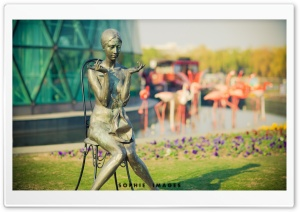 Modern Woman Statue HD Wide Wallpaper for 4K UHD Widescreen desktop & smartphone