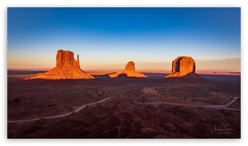 Monument Valley Sunset UltraHD Wallpaper for UltraWide 21:9 24:10 ; 8K UHD TV 16:9 Ultra High Definition 2160p 1440p 1080p 900p 720p ; UHD 16:9 2160p 1440p 1080p 900p 720p ; Mobile 16:9 - 2160p 1440p 1080p 900p 720p ;
