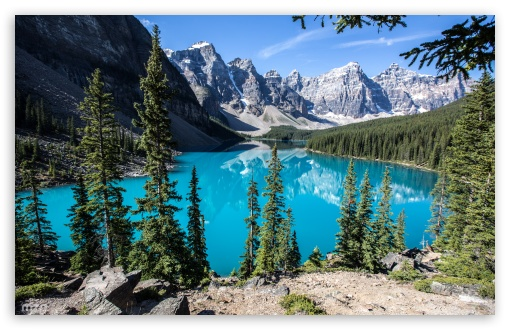 Download Moraine Lake, Banff National Park, Alberta,... UltraHD Wallpaper