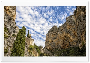 Moustiers Sainte Marie Church HD Wide Wallpaper for 4K UHD Widescreen desktop & smartphone