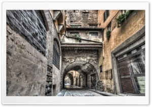 Narrow Streets in Florence HD Wide Wallpaper for 4K UHD Widescreen desktop & smartphone