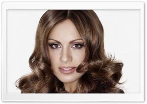 Nazan Eckes Portrait HD Wide Wallpaper for Widescreen