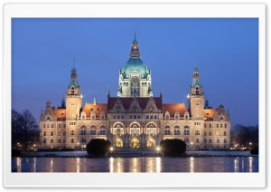 New City Hall in Hanover, Germany HD Wide Wallpaper for 4K UHD Widescreen desktop & smartphone