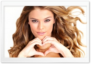 Nina Agdal Heart Hand HD Wide Wallpaper for Widescreen