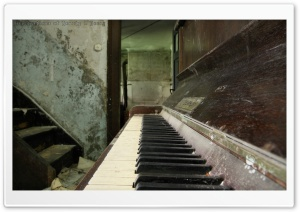 Old Piano HD Wide Wallpaper for Widescreen