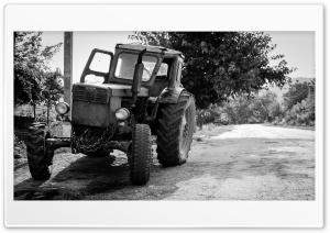 Old tractor Ultra HD Wallpaper for 4K UHD Widescreen desktop, tablet & smartphone