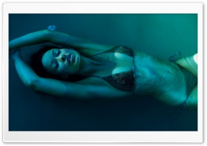 Olivia Wilde Underwater HD Wide Wallpaper for Widescreen