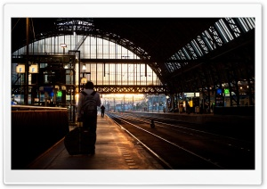 Platform 5, Amsterdam Central HD Wide Wallpaper for Widescreen