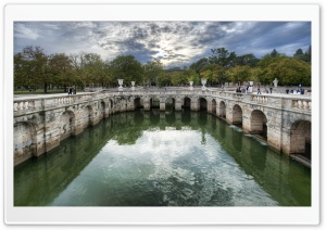 Roman Baths In Nimes HD Wide Wallpaper for 4K UHD Widescreen desktop & smartphone