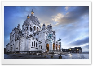 Sacre-Coeur Basilica, Montmartre, Paris, France HD Wide Wallpaper for Widescreen