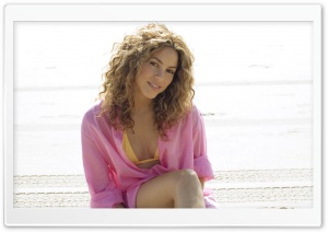 Shakira Mebarak 30 HD Wide Wallpaper for 4K UHD Widescreen desktop & smartphone