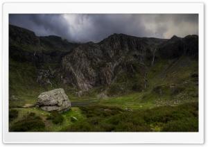 Small Streams Flowing into Llyn Idwal, Mountain Landscape Ultra HD Wallpaper for 4K UHD Widescreen desktop, tablet & smartphone