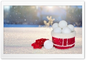 Snow Balls HD Wide Wallpaper for 4K UHD Widescreen desktop & smartphone