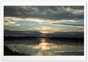 Sunset on the River Po - Italy Ultra HD Wallpaper for 4K UHD Widescreen desktop, tablet & smartphone