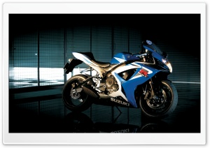 Suzuki GSX R750 1 Ultra HD Wallpaper for 4K UHD Widescreen desktop, tablet & smartphone