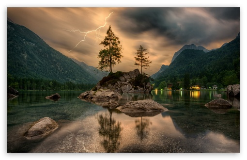 Download Thunderstorm with Lightning in Mountain UltraHD Wallpaper