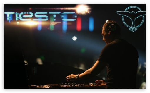 Tiesto Club Life ❤ 4K UHD Wallpaper for Wide 5:3 Widescreen WGA ; 4K UHD 16:9 Ultra High Definition 2160p 1440p 1080p 900p 720p ; Mobile 5:3 16:9 - WGA 2160p 1440p 1080p 900p 720p ;