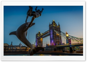 Tower Bridge Dolphin Statue HD Wide Wallpaper for 4K UHD Widescreen desktop & smartphone