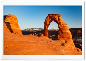 View of the Delicate Arch at Sunset HD Wide Wallpaper for 4K UHD Widescreen desktop & smartphone